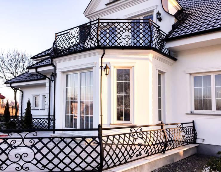 translation missing: us.style.balconies-verandas-terraces-.classic Balconies, verandas & terraces  by Armet