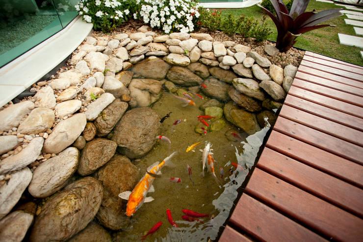 10 maneiras de utilizar pedras no jardim for Como construir un lago para peces