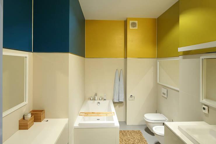 modern Bathroom by REFORM Konrad Grodziński