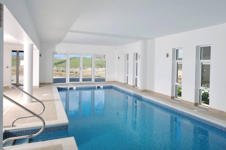 modern Pool by The Bazeley Partnership