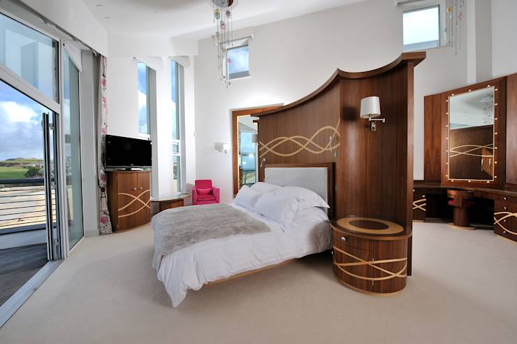 modern Bedroom by The Bazeley Partnership