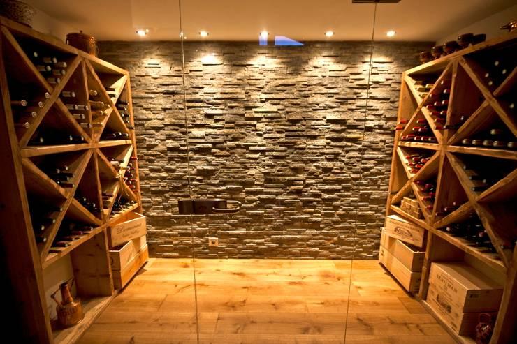 Chalet les chant ls un chalet neuf de luxe qui combine l for Cave a vin design contemporain