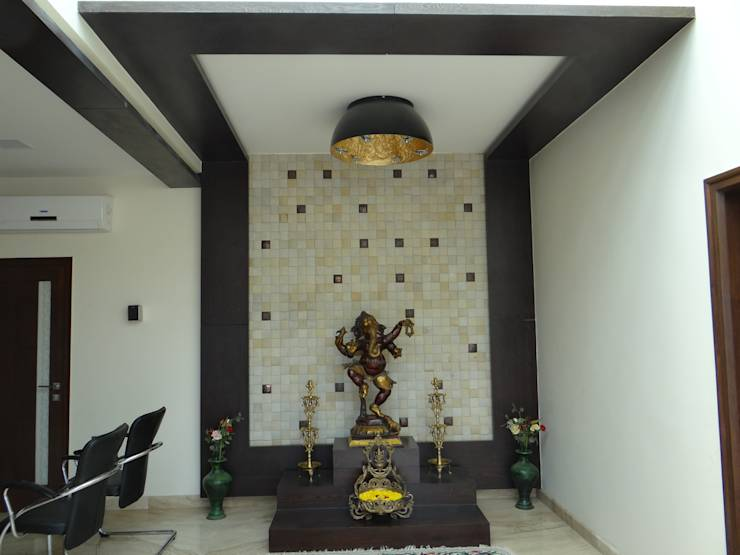 The entrance wall!!!: modern Walls & floors by Hasta architects