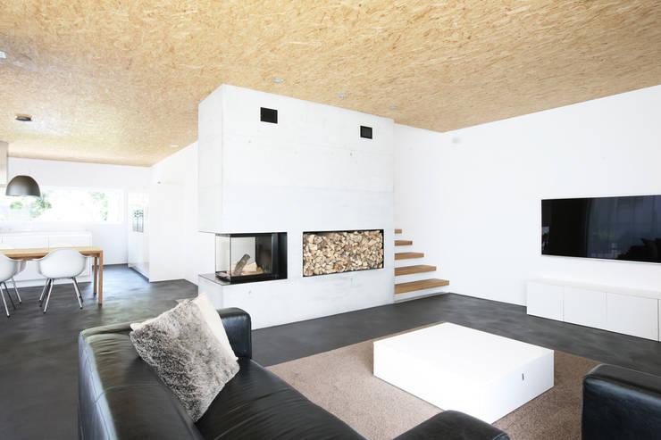 so gem tlich kann der bauhausstil sein. Black Bedroom Furniture Sets. Home Design Ideas