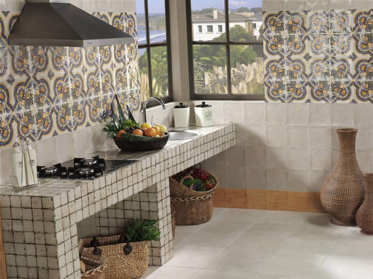 10 irresistibili cucine in muratura rustiche - Azulejos rusticos para cocinas ...