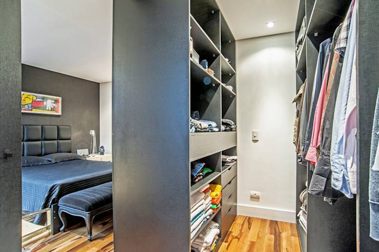 modern Dressing room by Evviva Bertolini
