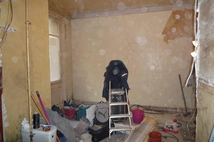 25 mq di totale caos diventano un moderno monolocale. Black Bedroom Furniture Sets. Home Design Ideas