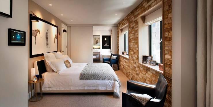 Salle de bain de style de style Moderne par TG Studio