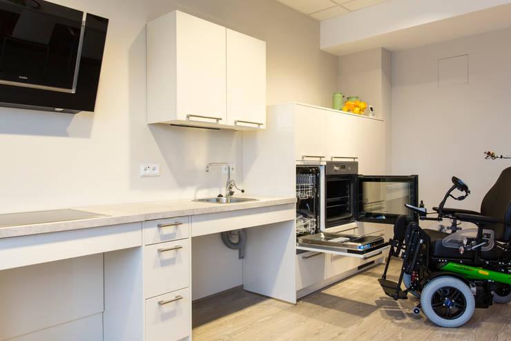 aal ambient assisted living barrierefreie altersgerechte wohnung von aab die raumkultur gmbh. Black Bedroom Furniture Sets. Home Design Ideas