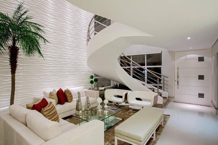 Sala De Estar Iara Kilaris ~ Salas de estar modernas por Designer de Interiores e Paisagista Iara