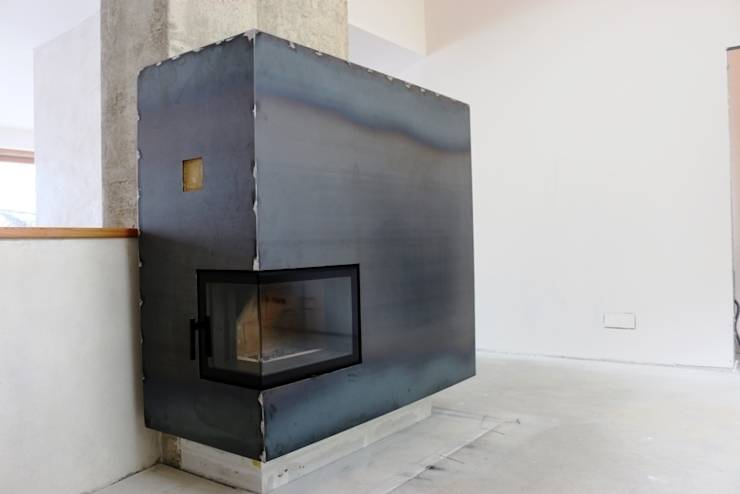wohnzimmer kamin vor einsatz des cor oxid schnellrosters. Black Bedroom Furniture Sets. Home Design Ideas