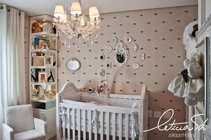 conception d 39 une chambre vintage pour b b. Black Bedroom Furniture Sets. Home Design Ideas
