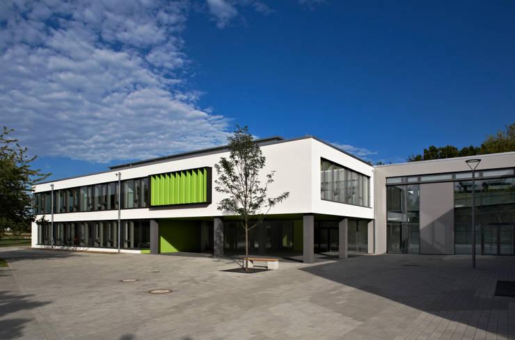 Heinrich b ll schule hattersheim neubau for Designer schule