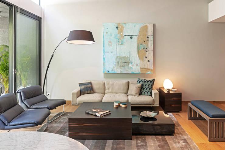Salas / recibidores de estilo moderno por Faci Leboreiro Arquitectura