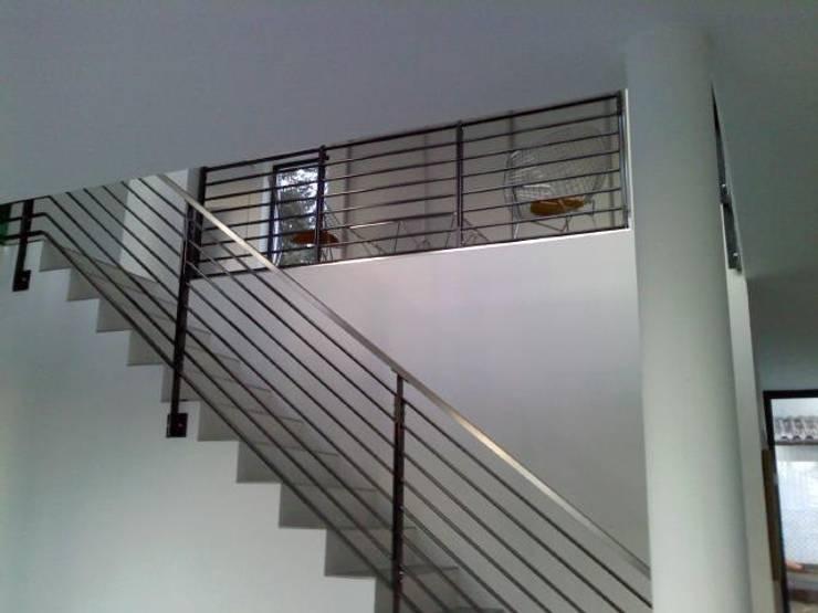 einfamilienhaus im bauhaus stil in falkensee bei berlin. Black Bedroom Furniture Sets. Home Design Ideas