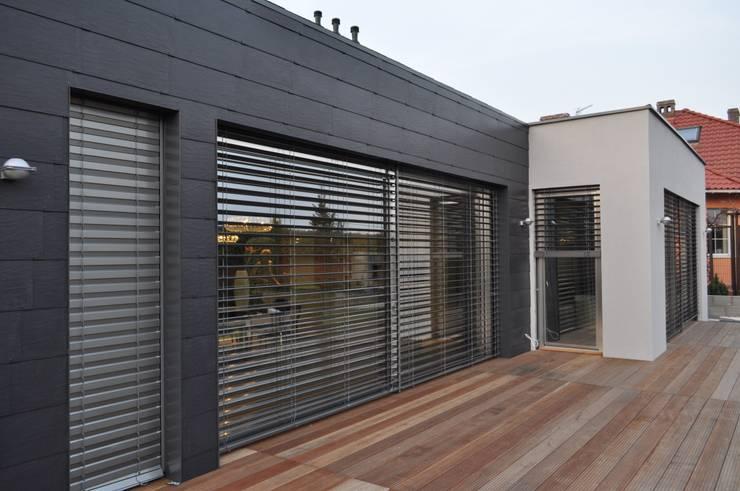Homify for Puertas para casas minimalistas