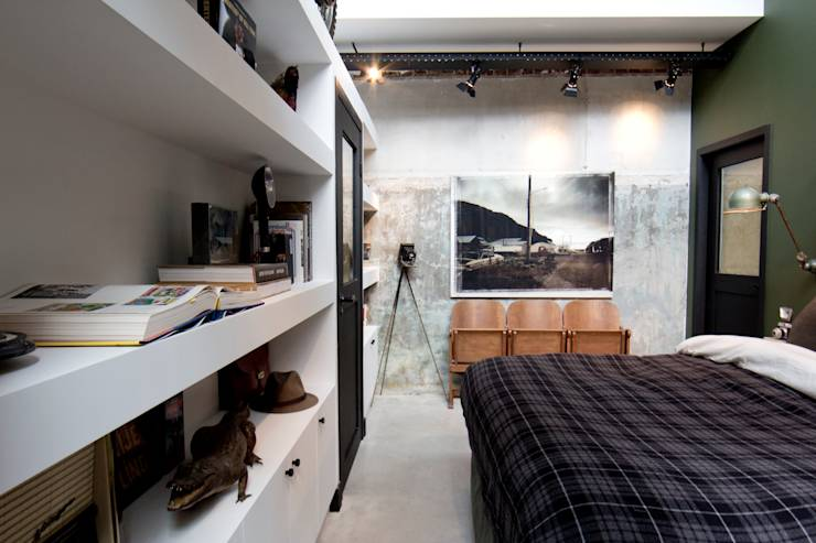 Slaapkamer Herinrichten Tips : Garage Loft: industri?le Slaapkamer door BRICKS Studio