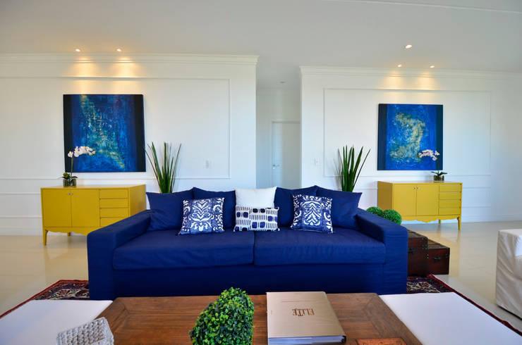 Sala De Estar Com Azul Marinho ~ Casa de Praia Azul Marinho Salas de estar ecléticas por marli lima