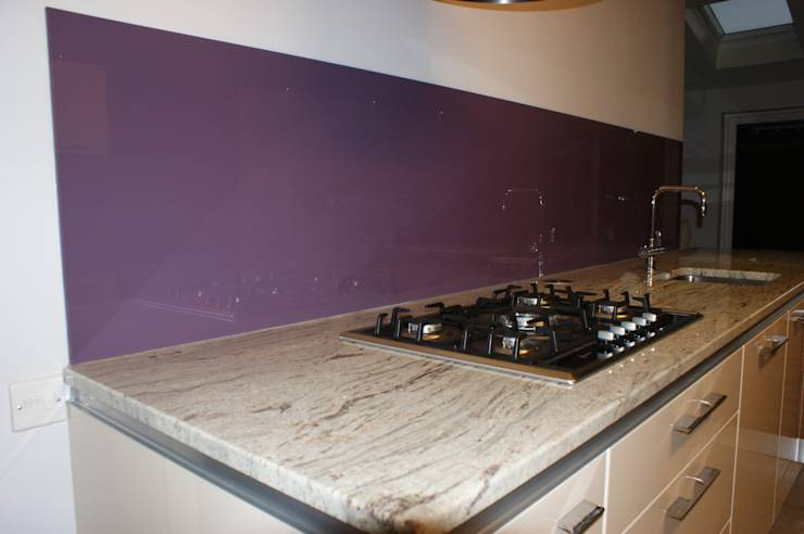 Glass upstands the perfect alternative to tiles by diysplashbacks homify - Splashback alternatives ...