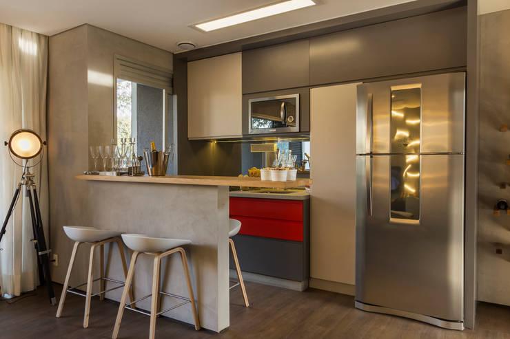 Cocinas de estilo moderno por Studiodwg Arquitetura e Interiores Ltda.