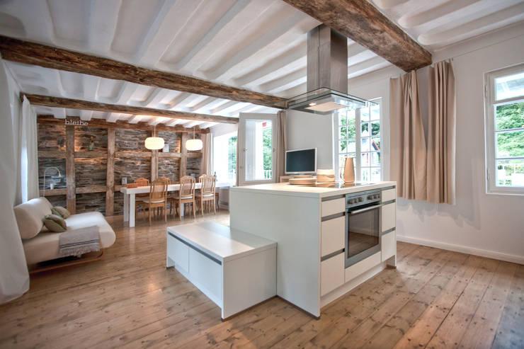 sanierung und umwandlung eines tuchmacherhauses aus dem 18. Black Bedroom Furniture Sets. Home Design Ideas
