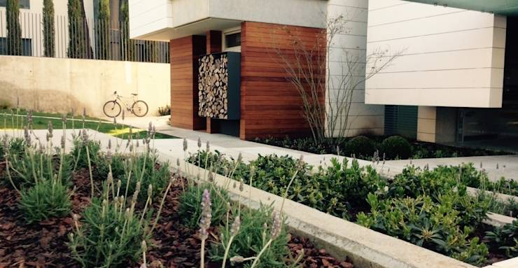jardín, Spain Jardines de estilo ecléctico de aspaisajimo