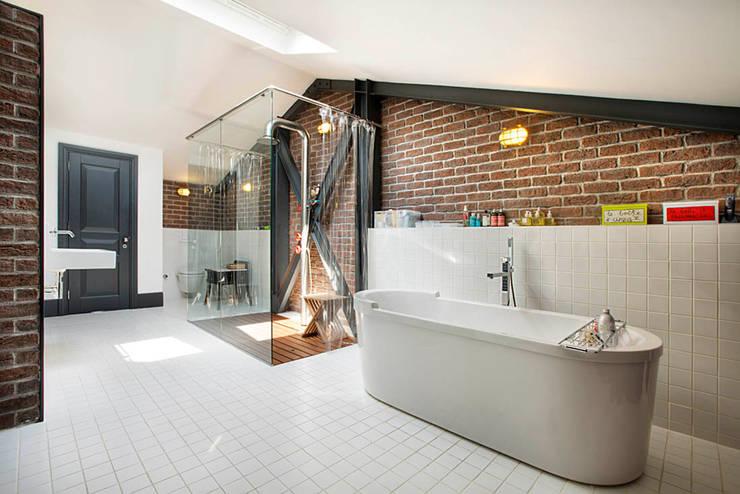 Badkamer Betegelen Bad ~ industri?le Badkamer door Udesign Architecture