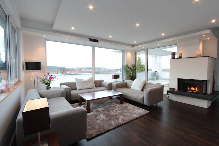 moderne eleganz mit technischen raffinessen. Black Bedroom Furniture Sets. Home Design Ideas