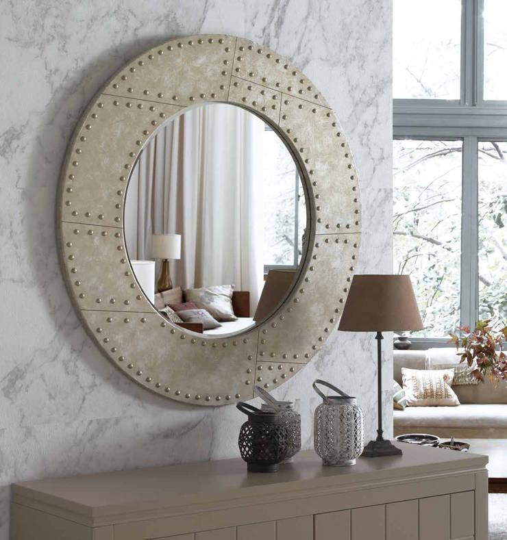 Espejos decorativos modernos de decoracion gimenez homify for Espejos redondos para salon