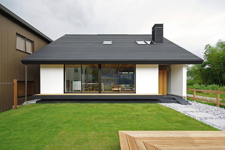 10 kleine h user mit fulminanter fassade. Black Bedroom Furniture Sets. Home Design Ideas