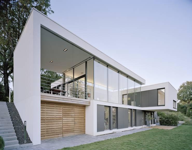 maximaler minimalismus. Black Bedroom Furniture Sets. Home Design Ideas