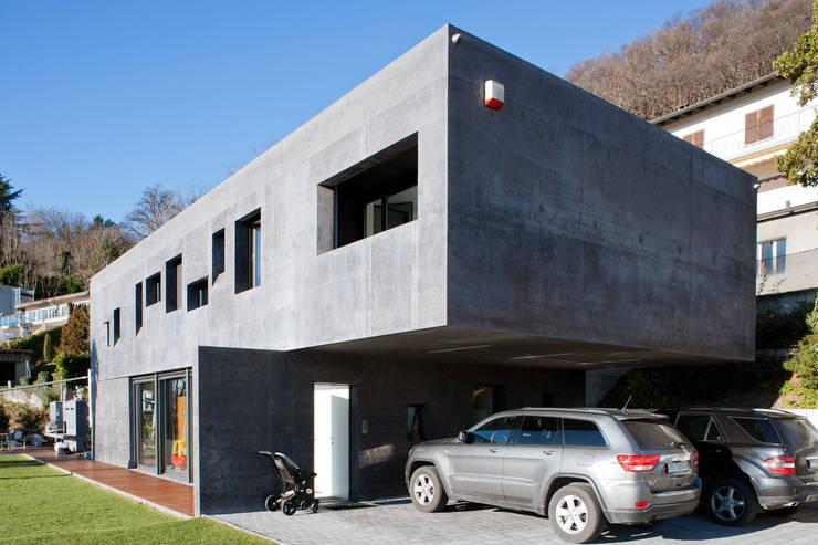 Le tettoie per auto funzionali ed ecologiche for 2 officine di garage per auto