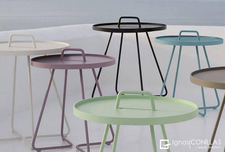 Mesas auxiliares un mueble imprescindible for Mueble auxiliar barcelona