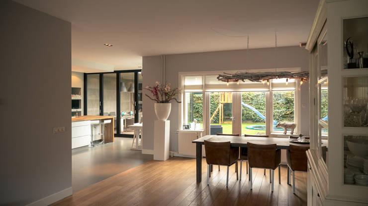 Moderne Wohnzimmer Von Joep Van Os Architectenbureau .