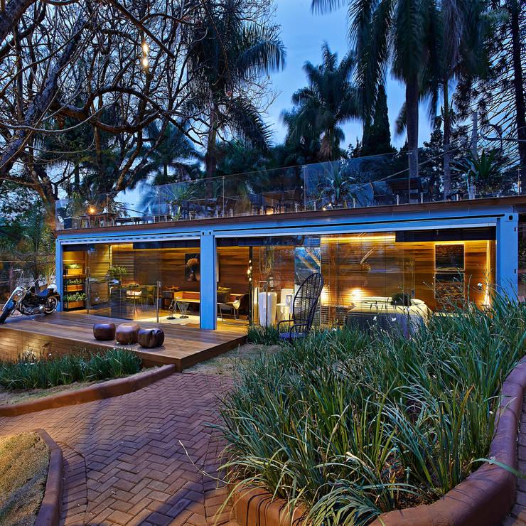 Casas de estilo translation missing: ve.style.casas.rustico por Cristina Menezes Arquitetura