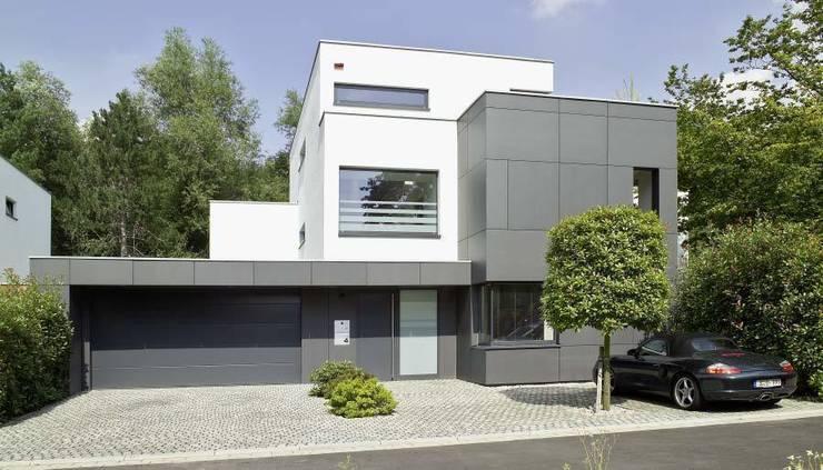 Zwart wit familievilla met prachtige looks - Moderne buitenkant indeling ...