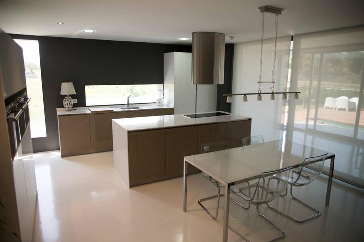 5 ventajas de tener una moderna isla de cocina en casa - Cocinas suarco ...