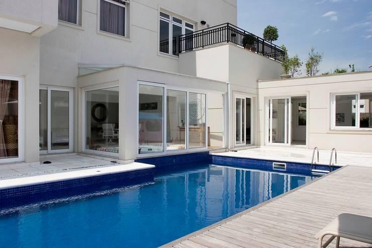 10 modelos de piscina para a sua rea de lazer for Funda piscina redonda