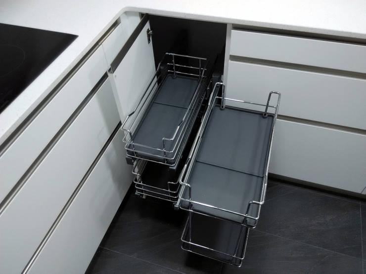 Ideas para mejorar el almacenamiento en casa for Muebles de rinconera