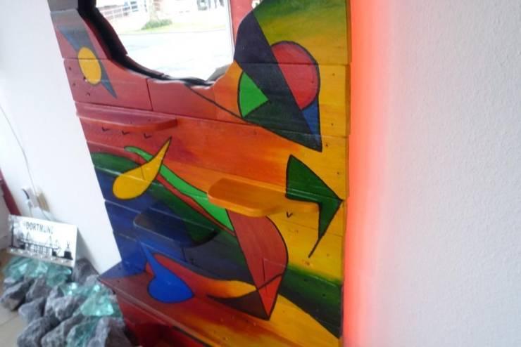 Garderobe aus Palettenholz - im Kandinskystyle von Design Art ...