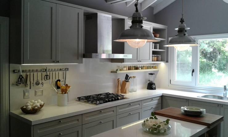 classic Kitchen by Silvina Lightowler - Diseño a medida