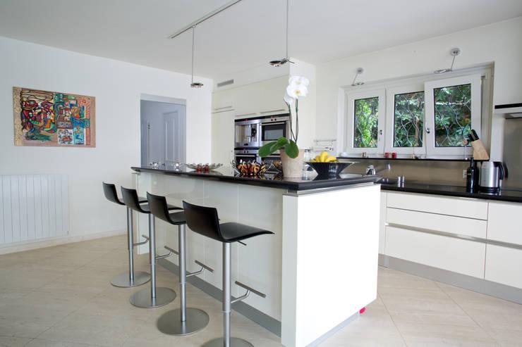 Come scegliere gli sgabelli alti per la cucina - Sgabelli per isola cucina ...