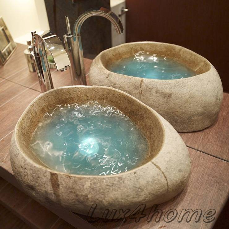 il bagno ancora pi originale con i lavandini in pietra in