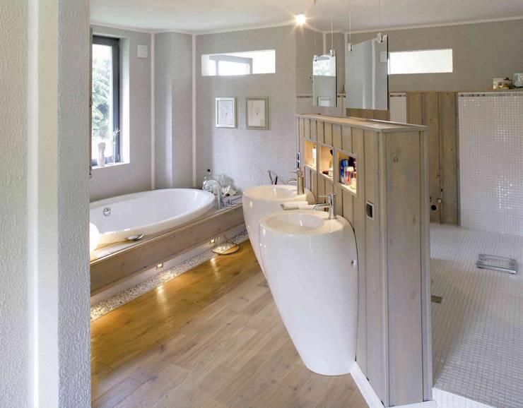 modern Bathroom by Haacke Haus GmbH Co. KG