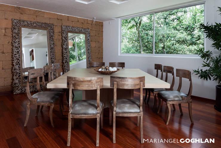 Decoraci n de interiores 10 ideas brillantes con espejos for Comedores con espejos grandes