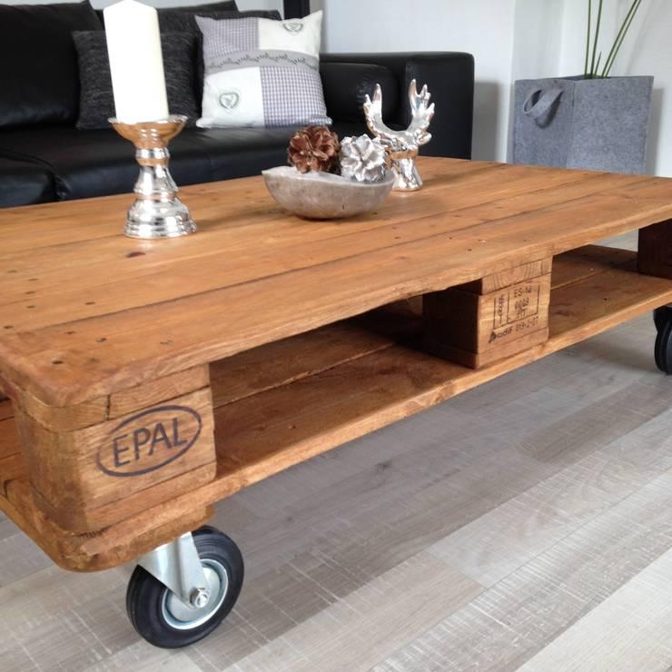 palettenm bel sch nes aus holz von palettenm homify. Black Bedroom Furniture Sets. Home Design Ideas