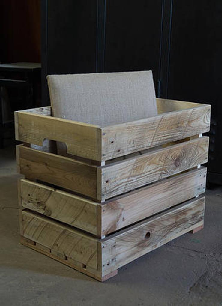 banquettes coffres en bois de palette revaloris par palettegraphik homify. Black Bedroom Furniture Sets. Home Design Ideas