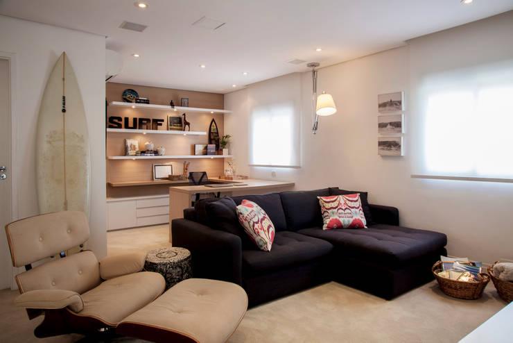 Estudios y oficinas de estilo moderno por Helô Marques Associados