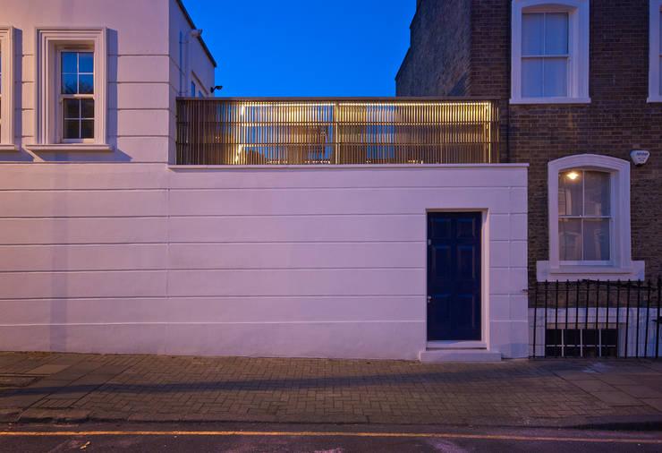 Historischer charme trifft modernes design: traumhaus mit dachterrasse