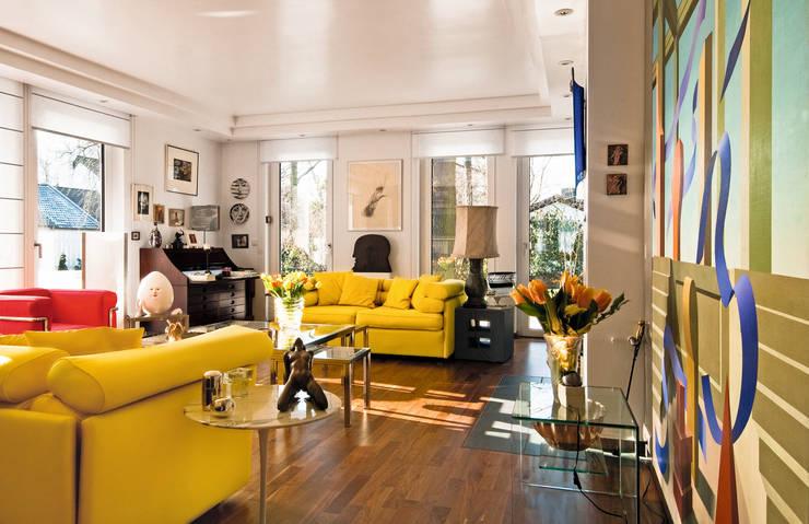 traumhaus mit berraschender einrichtung. Black Bedroom Furniture Sets. Home Design Ideas